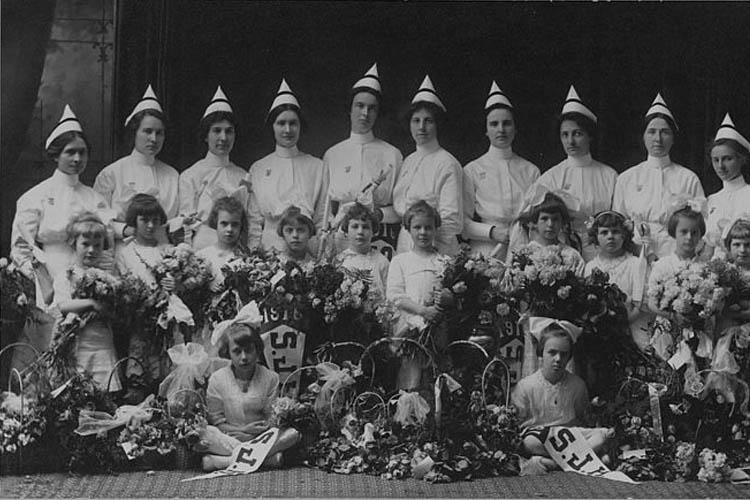 8c26005d8fa Nurses' graduation, St. Joseph's Hospital School of Nursing 1916  (Congregation of Sisters of St. Joseph in Canada, viewed 13 October 2016,  ...